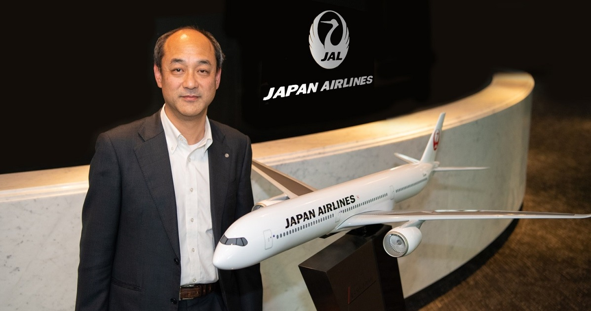 JAL (Japan Airlines) installed Chatbot for their work style reform. Using chat for inside-company information and decreased 30% of inquiries in a month!